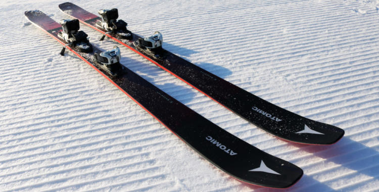 Atomic Maverick 95 Ti, one of the skis we have tested.